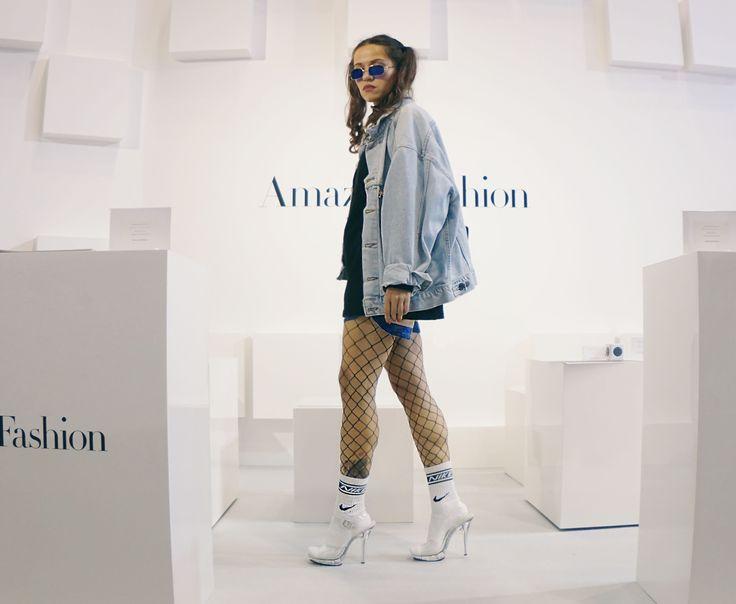 jeans oversized jacket, socks heels, nike socks, fishnet blue sunglasses, streetsnap, street style