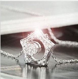 Boys Over Flowers Necklace