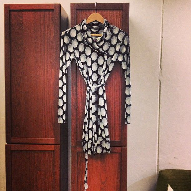 From @Melko - Made in Brazil I love this belted monochrome dress, perfect for layering up on chilly says!