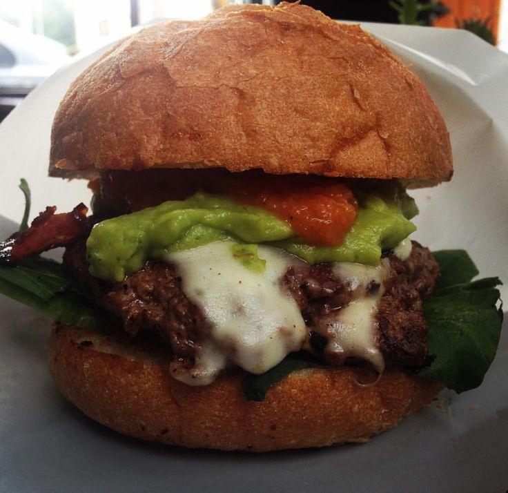 "107 Likes, 1 Comments - Burgués - Premium Burgers (@burguesbogota) on Instagram: ""NUEVA TEX-MEX (180gr de Carne madurada, queso mozzarella, tocineta ahumada, Guacamole, vegetales y…"""