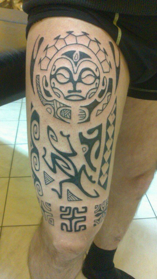 17 best images about tatouages filou tribal maori etc on pinterest dragon maori and - Tatouage maori cuisse ...