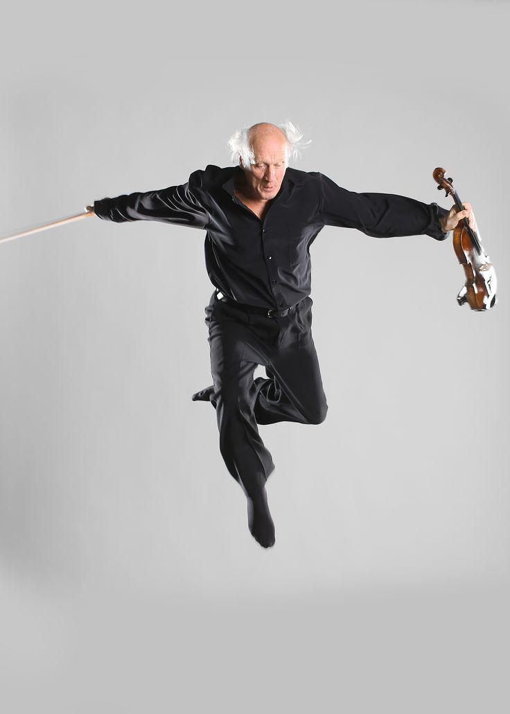 Herman van Veen - Nederlandse Tournee. woensdag 4 februari en donderdag 5 februari 2015 te zien in Theater aan de Parade! http://www.theateraandeparade.nl/voorstelling/4411/herman_van_veen/nederlandse_tournee/