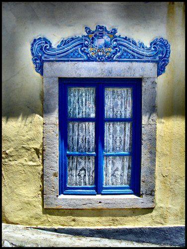 Blue - azul - Old window - janela antiga - cacém - portugal