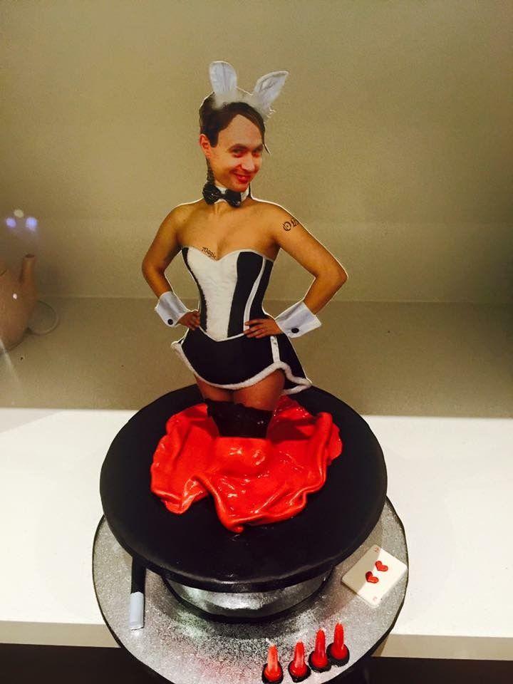 Magician magic hat cake