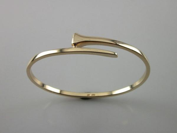 EB31 - Oval Nail Bangle | The Cambridge Collection