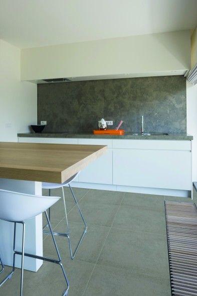 25 beste idee n over lichtgrijze keukens op pinterest grijze kasten blauw grijze keukens en - Lichtgrijze kamer ...