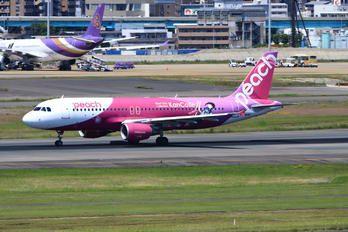 JA816P - Peach Aviation Airbus A320 photo (12 views)