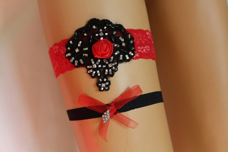 Hediye, düğün ligi, kırmızı ve siyah dantel gelinlik jartiyer,