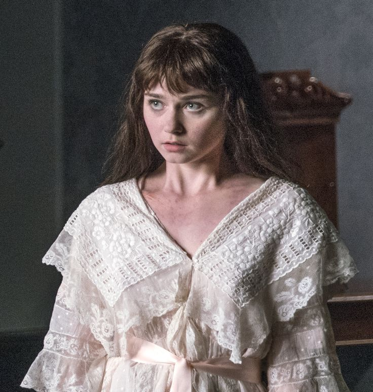 Justine (Jessica Barden) is equally amazed and terrified by Dorian and Lily.