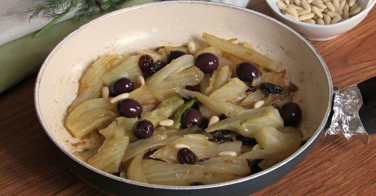 Come preparare i finocchi in padella saporiti e gustosi: una ricetta leggera e poco calorica con olive, capperi e pinoli perfetta per la dieta