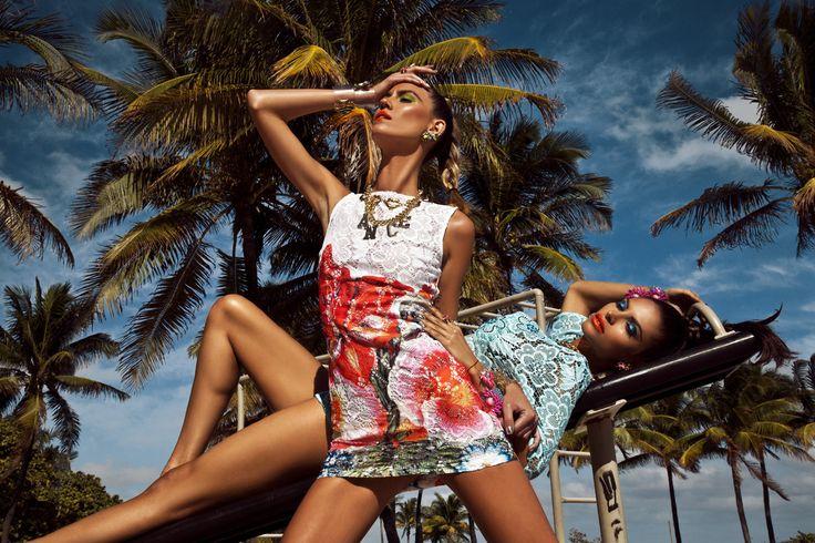 Prestigioso brand del Made-in-Italy beachwear e accessori, Pin-Up Stars regala una collezione ricca e spettacolare.