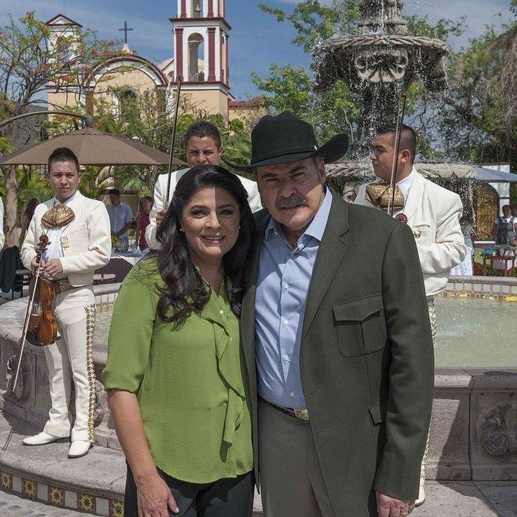 regram @telenovelasy Victoria Ruffo y César Evora @victoriaruffo @cesarevora #telenovela #lasamazonas