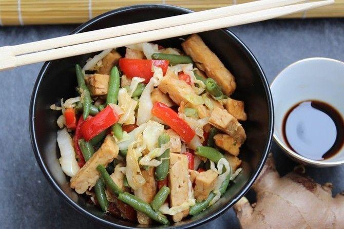 Tempeh con verdure saltato in padella