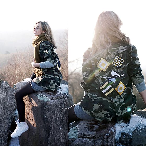 Get this look: http://lb.nu/look/8588745  More looks by Adriana M.: http://lb.nu/lilicons  Items in this look:  Arrow And Beast Military Style Jacket, Nike White Sneakers, Only Green Scarf   #casual #grunge #street #streetstyle #lookbook #lookbooker #today #outfit #blogger