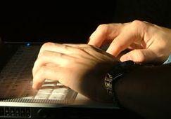 DEADONBLOG.COM: Creative direct mail marketing ensures product lau...