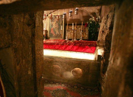 Όλα όσα δεν ξέρετε για τον Τάφο της Παναγίας μας   Ο τάφος της Παναγίας, γνωστός…