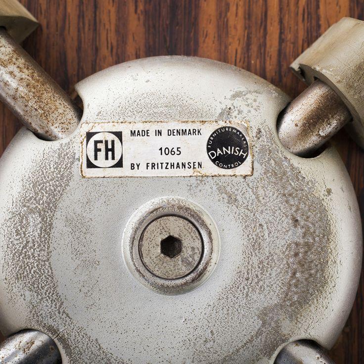 AJ 3207 - Armchair