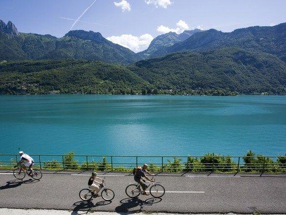 Les 25 meilleures id es de la cat gorie lac d 39 annecy sur - Office de tourisme annecy location vacances ...