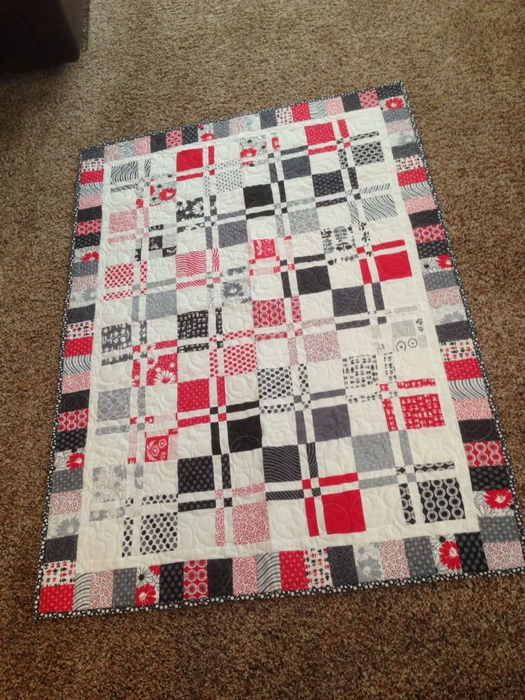 1000 Images About Red White Black Quilts On Pinterest White Quilts Block Of The