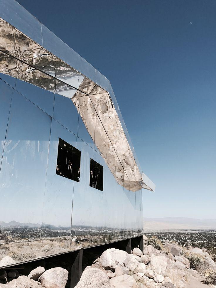 Desert X exhibition / Doug Aitken mirage. Via Mija