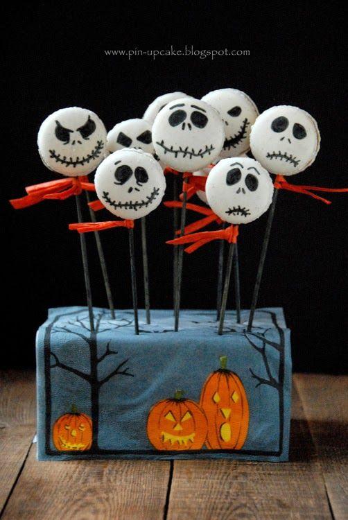 PIN - UP CAKE: Halloweenowe makaroniki (waniliowe z kremem czekoladowo - bananowym)
