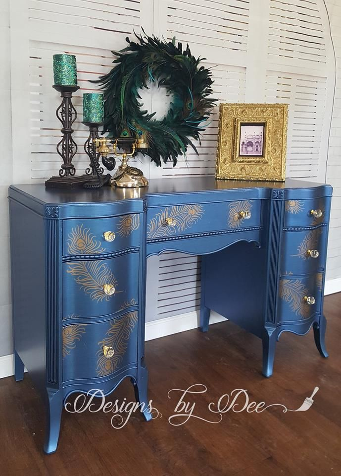 Pretty as a Peacock! This stunning desk was beautifully finished by creative customer Designs by Dee. She used the shimmery blue tone of Sapphire Metallic Paint by Modern Masters for these charming results!