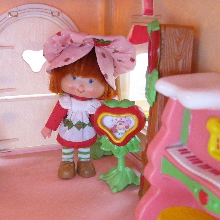 Strawberry Shortcake Friends - dollinfocom