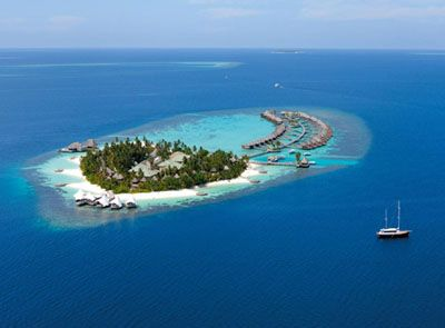 The W Retreat and Spa is located in the Ari Atoll, an Atoll renowned for its incredible marine life and stunning natural beauty.
