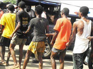Do You Agree!! Parading Of Suspects Is Unconstitutional  Lawyers   Some Lagos-based lawyers have condemned parading of arrested suspects by the police saying it is unconstitutional and damaging to the person involved. They said that often those paraded were innocent and in the event of their being pronounced innocent by the courts of competent jurisdiction the police never re-parade them. Mr Olawale Apanisile told the News Agency of Nigeria (NAN) that parading suspects undergoing…