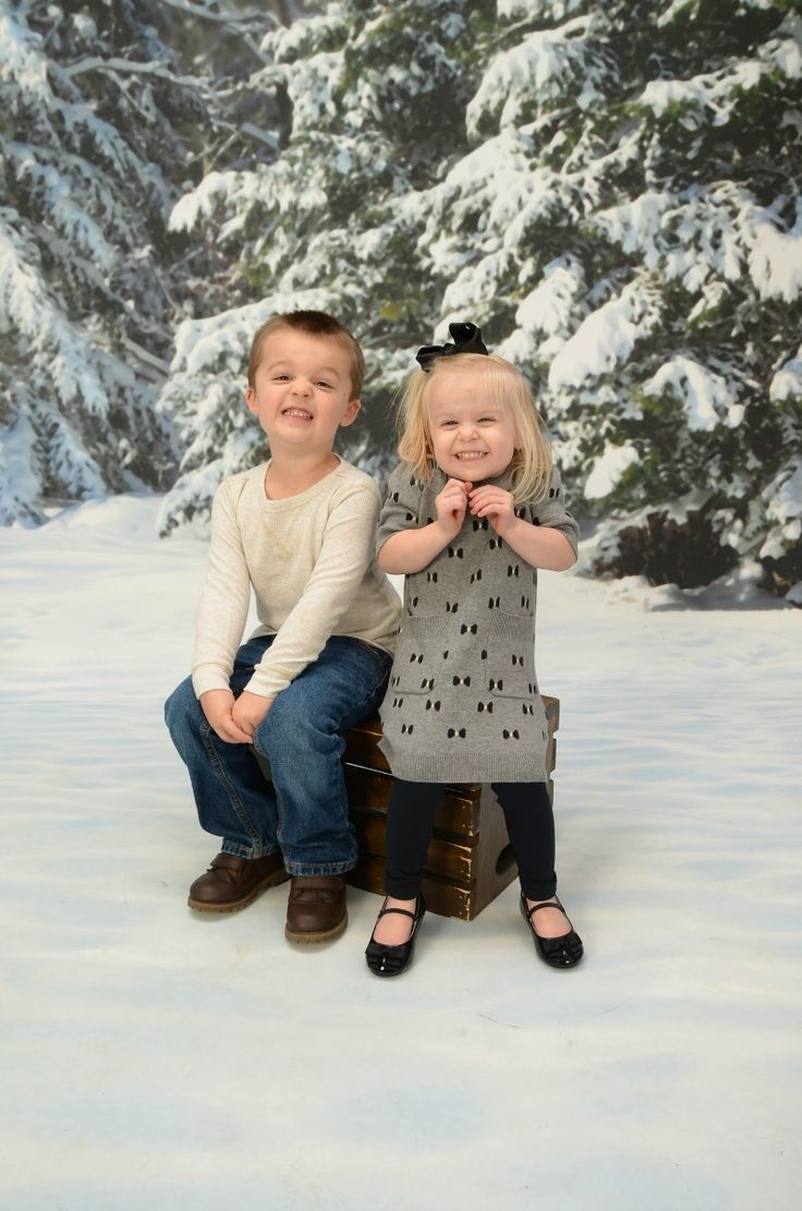 Choose Portrait Innovations For Your Family's Christmas Photos #MegaChristmas17 -