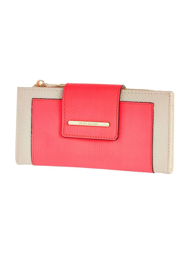 River Island Neon Flapover Purse - Pink This neon flapover purse by River Island is the perfect pick to perk up your pennies! Featuring a bright pink panel and a neutral lining, this purse strikes the perfect balance between simple and statement, while the flap over front is a classic touch. With separate compartments for cash coins and cards, keeping your essentials organised is a doddle! Simply pop in your of-the-moment River Island bag ready to grab when you can't resist the urge to…