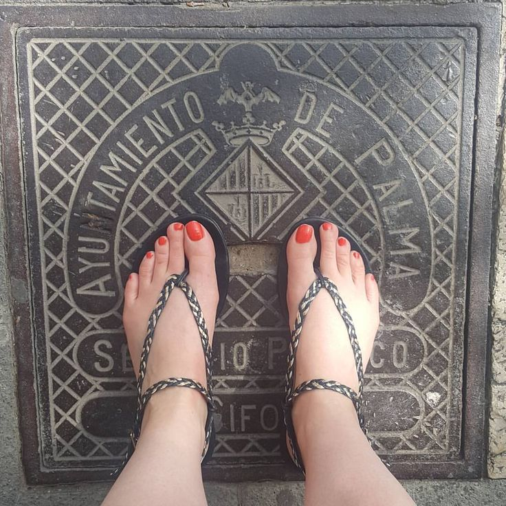 Interchangeable shoes at their best - #slink #traveltheworldinshoesyoulove #Stylishshoes