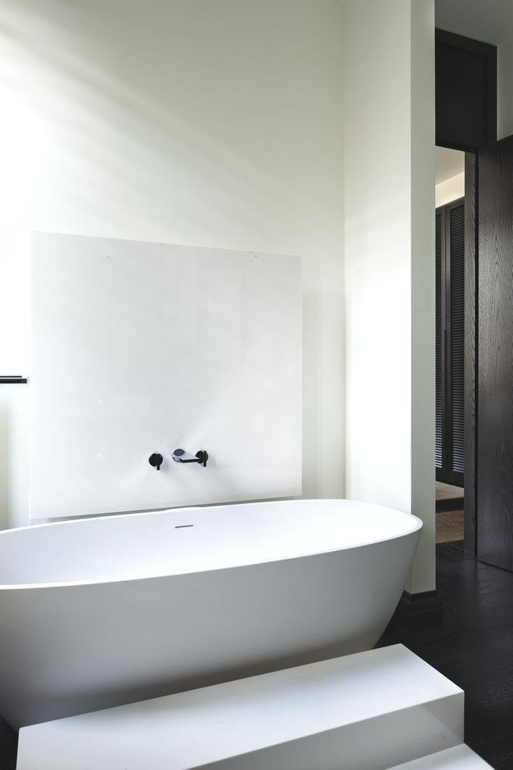 tub wall detail