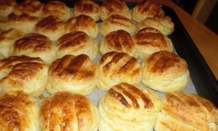 Jemné bramborové těsto a chuť neodolatelná. Vynikající máslové pagáče z bramborového těsta. Mňamka!