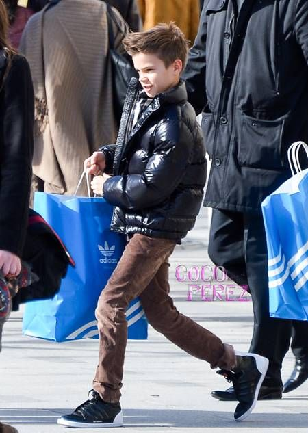Romeo Beckham...fils de Victoria et David Beckham ...ressemble à jordan hein?