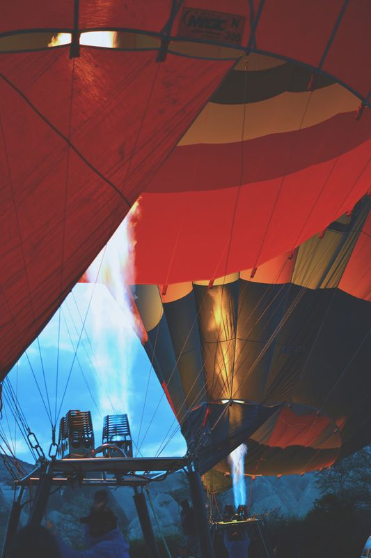 Up up and away | Conteu Magazine  | travel | adventure | Turkey | hot air balloons
