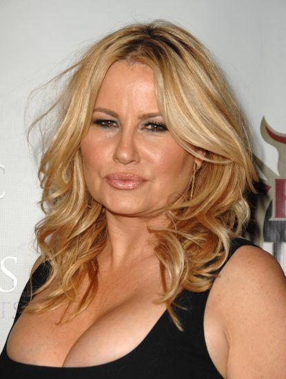 Oh, Jennifer Coolidge... you crack. me. up. I knew I loved you when we met during Legally Blonde, and now, your cameos on The Secret Life of the American Teenager have made me fall for you in a big way. You're hilarious when you deliver your honest, dead-pan, thoughtful lines. I just love it. Thank you. #secretlife #jennifercoolidge