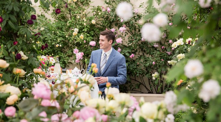 Gieves & Hawkes and the Chelsea Flower Show  https://www.luxurialifestyle.hk/gieves-hawkes-and-the-chelsea-flower-show/
