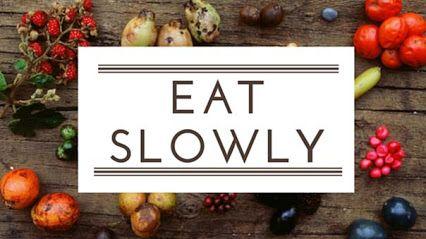 MANGIARE LENTAMENTE: COME IMPARARE A FARLO! #Mangiarelentamente è possibile, imparando a concentrarsi su segnali di #sazietà piuttosto che sullo spazzolare il piatto. Qui ci sono alcuni #suggerimenti che ti insegneranno a mangiare lentamente e quindi di meno. Leggi il post sul mio blog! http://michelacicuttin.com/index.php/2015/11/17/mangiare-lentamente-come-imparare-a-farlo/