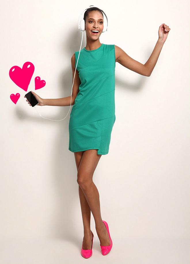 Sheggy Arkası fermuarlı elbise Markafoni'de 54,99 TL yerine 19,99 TL! Satın almak için: http://www.markafoni.com/product/3520364/