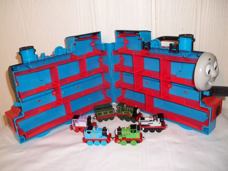 Thomas The Tank Engine Magnetic Diecast Die Cast Engine Friends w Carrying Case #LearningCurve