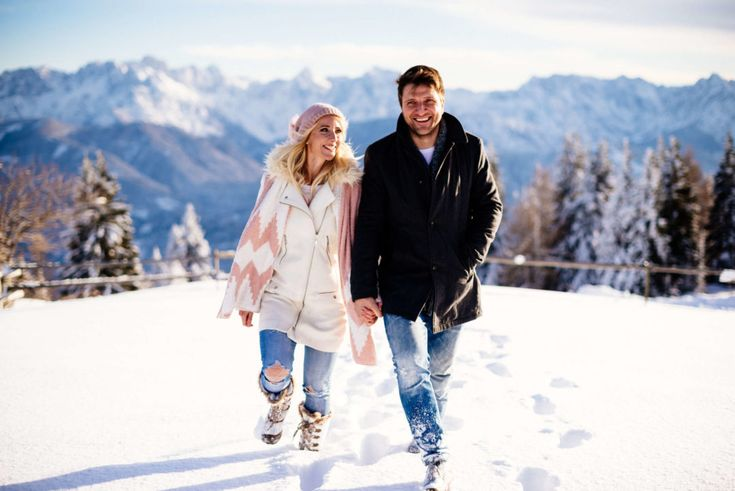 Blog Wedding Photograper from Vienna.  Couple, Couple Portraits, Klagenfurt, Villach, Vienna, Austria, Betti Plach, Winter, Snow, Mountains.