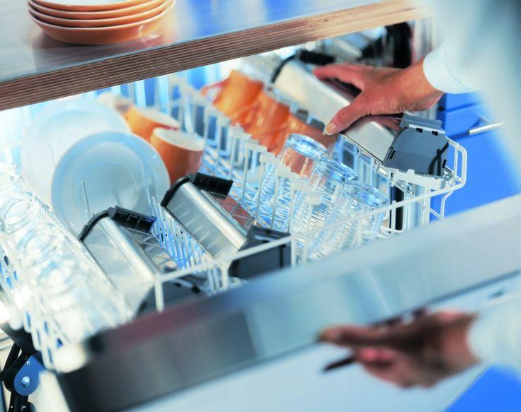 Accesorii Mobilier Bucatarie Blum Casete Detasabile pentru Tacamuri din Inox lavabila in masina de spalat vase pana la 65 grade