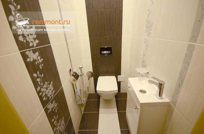 Современные тенденции в ремонте ванной комнаты и туалета: укладка плитки по дизайн-проекту, подвесной унитаз с инсталляцией