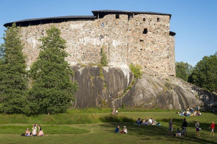 Raaseporin linna oli rannikkoalueen keskus – nyt matkailuyrittäjä herättelee rauniolinnaa unohduksista | Suomen linnat -sarja | HS