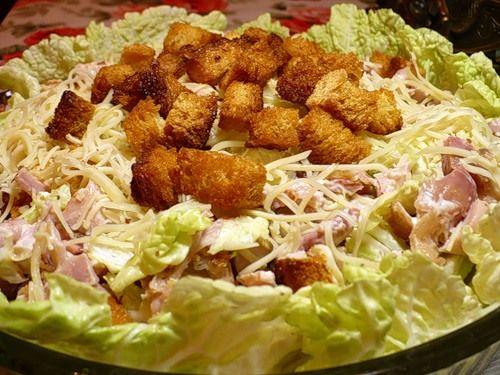 Рецепт салата цезарь с сухариками и красной рыбой