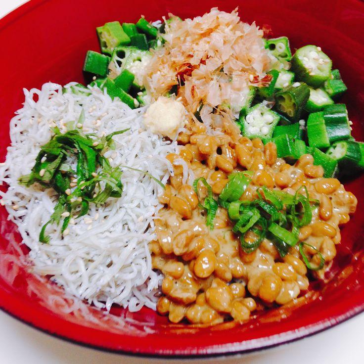 おくら納豆しらす丼 Bowl of rice with fermented soybeans, okra and boiled whitebait
