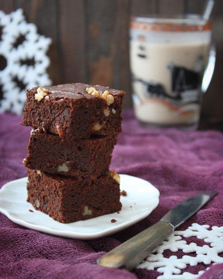 206 отметок «Нравится», 9 комментариев — Анна Савва (@anya.savva) в Instagram: «Самый вкусный (даже для нелюбителя всего шоколадного) и правильный по структуре брауни по рецепту…»