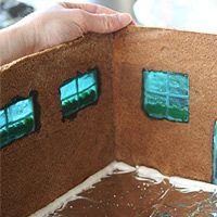 Tutorial on making Gingerbread Houses! (very detailed)