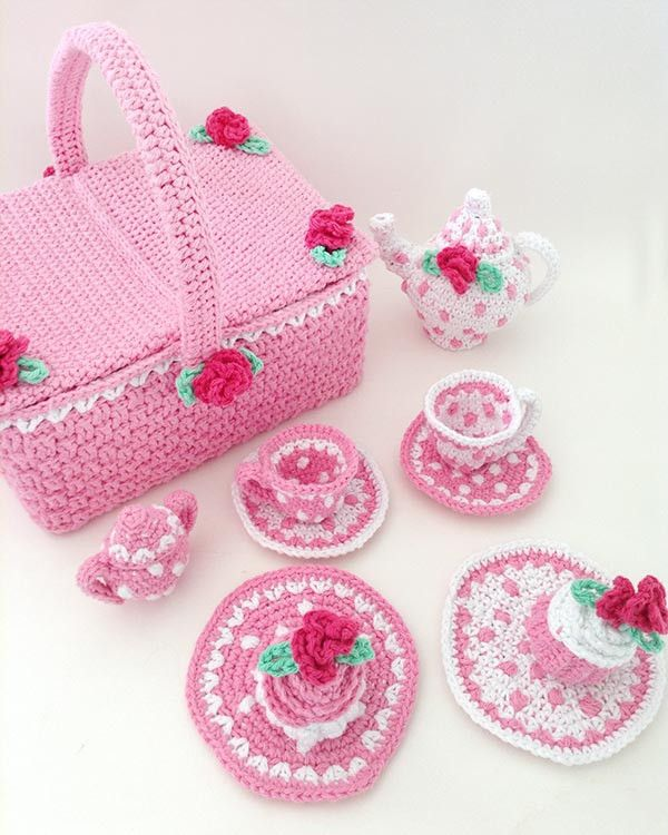 Polka Dot Tea Set With Picnic Basket Crochet Pattern